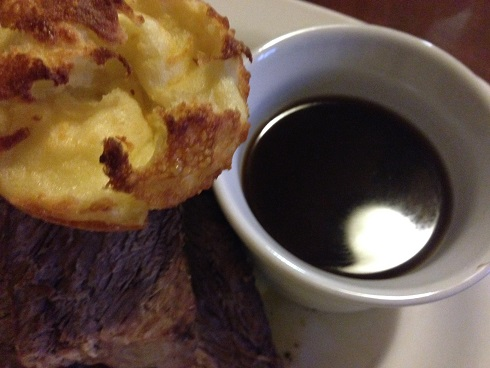 prime-rib-with-yorkshire-pudding-and-au-jus